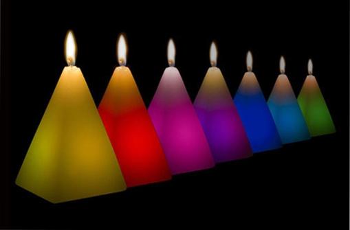 Obrázek z Kouzelná LED svíčka - čtyřstěnná pyramida