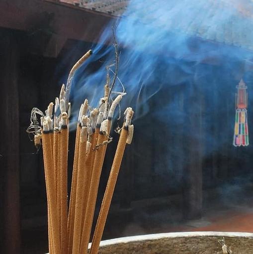 Obrázek z Indické vonné tyčinky velké balení 20ks/23cm